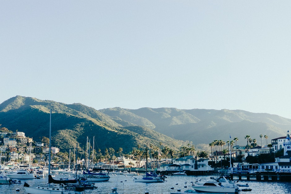 bay, boats, mountains