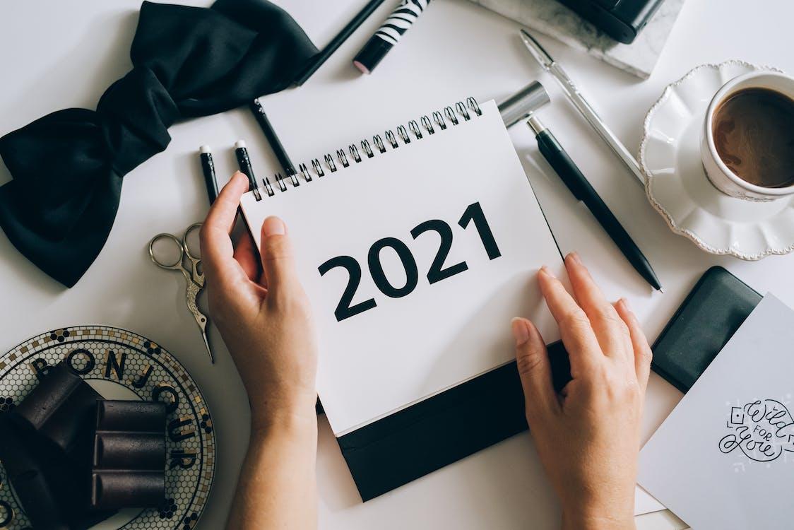 Foto profissional grátis de 2021, café, calendário