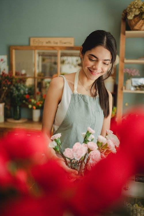 在花店裡的花店花店