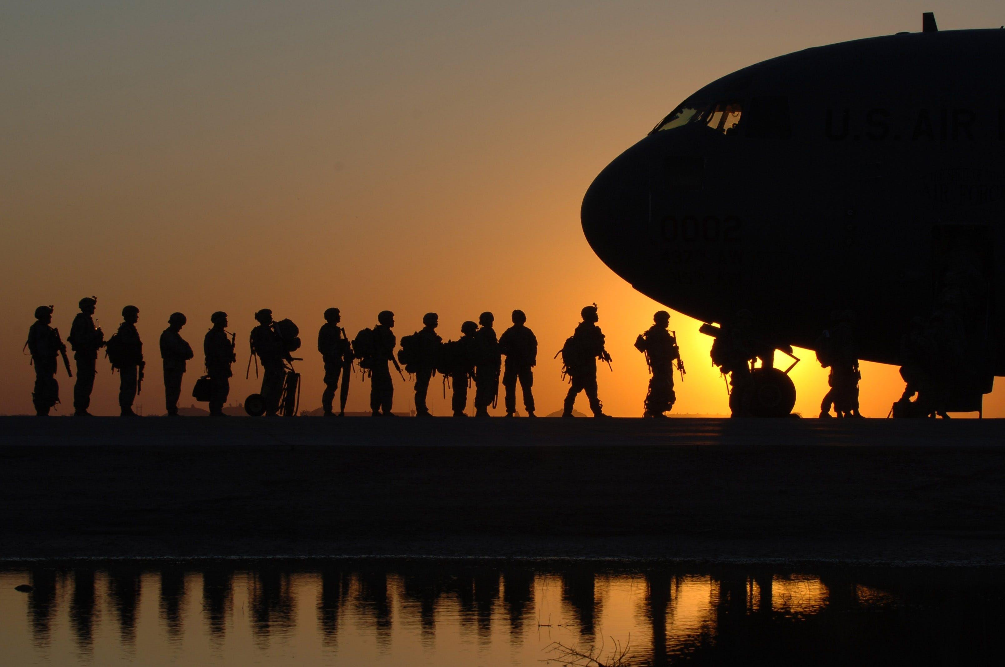 フライト, 兵隊, 戦争, 日の出の無料の写真素材