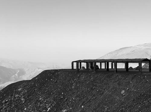 Бесплатное стоковое фото с дубай, черно-белый, черные холмы