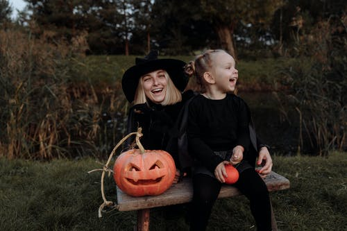 Witch Mom and Daughter