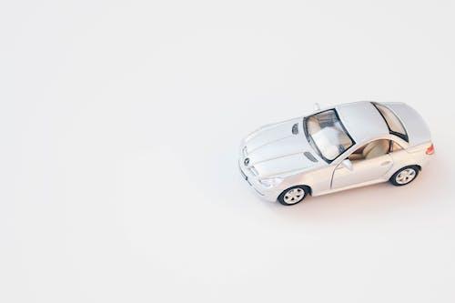 Photos gratuites de arrière-plan blanc, blanc, jouet miniature, jouets