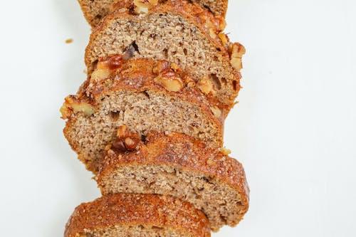 Fotobanka sbezplatnými fotkami na tému banánový chlieb, bochník, celý, cesto