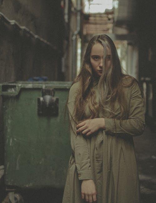 Základová fotografie zdarma na téma atraktivní, bez emocí, citlivý, dívat se