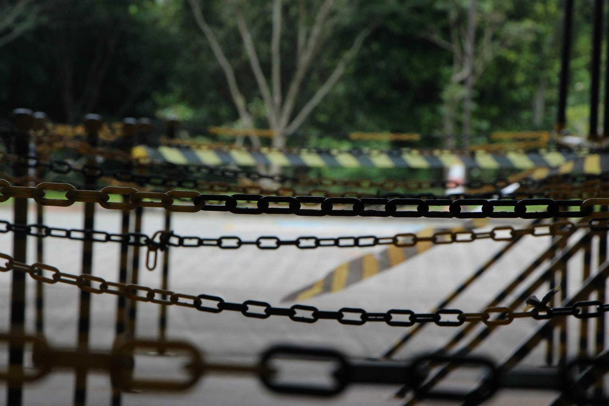 Free stock photo of cercado, chain, corrente, prohibited