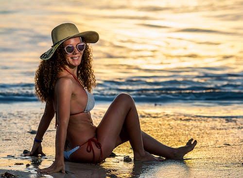 Бесплатное стоковое фото с пляжный закат, фотосессия