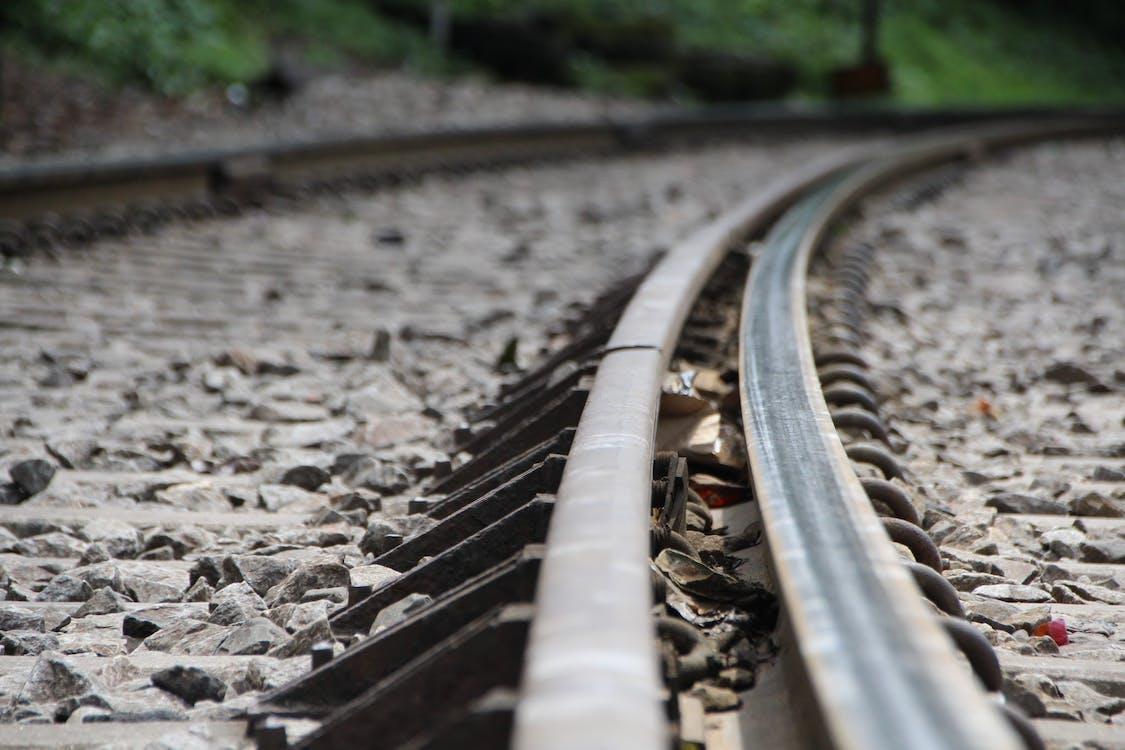 Kostnadsfri bild av järnväg, sväng