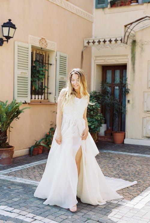 Foto d'estoc gratuïta de a l'aire lliure, adult, arquitectura, boda