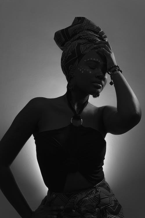 Darmowe zdjęcie z galerii z afro kobieta, afryka, afrykanin, afrykańska kobieta