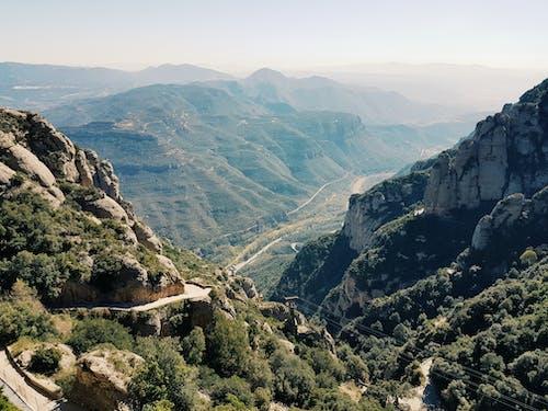 Gratis lagerfoto af bjerge, dagslys, høj, landskab