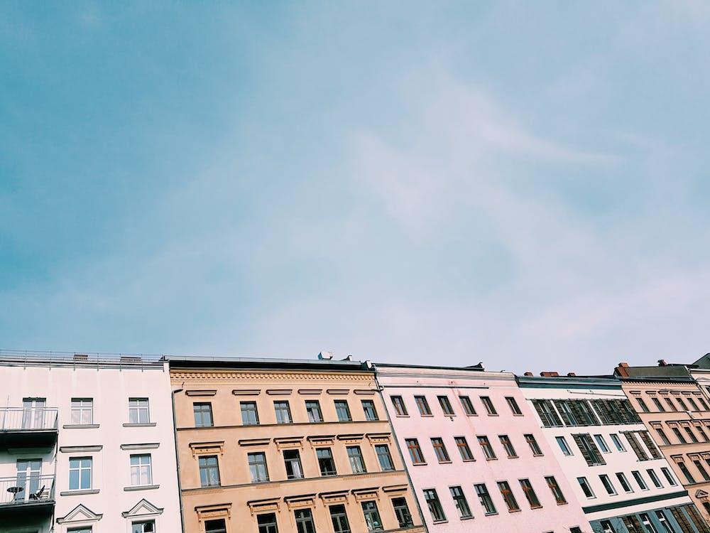Kostenloses Stock Foto zu apartments, architektur, architekturdesign