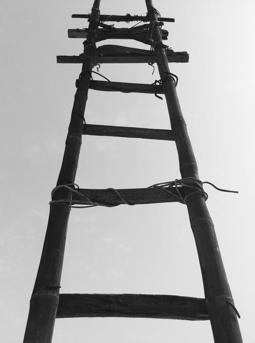 ahşap, gökyüzü, inşaat, siyah ve beyaz içeren Ücretsiz stok fotoğraf