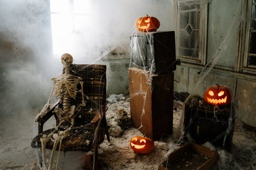 Halloween Decorated Room