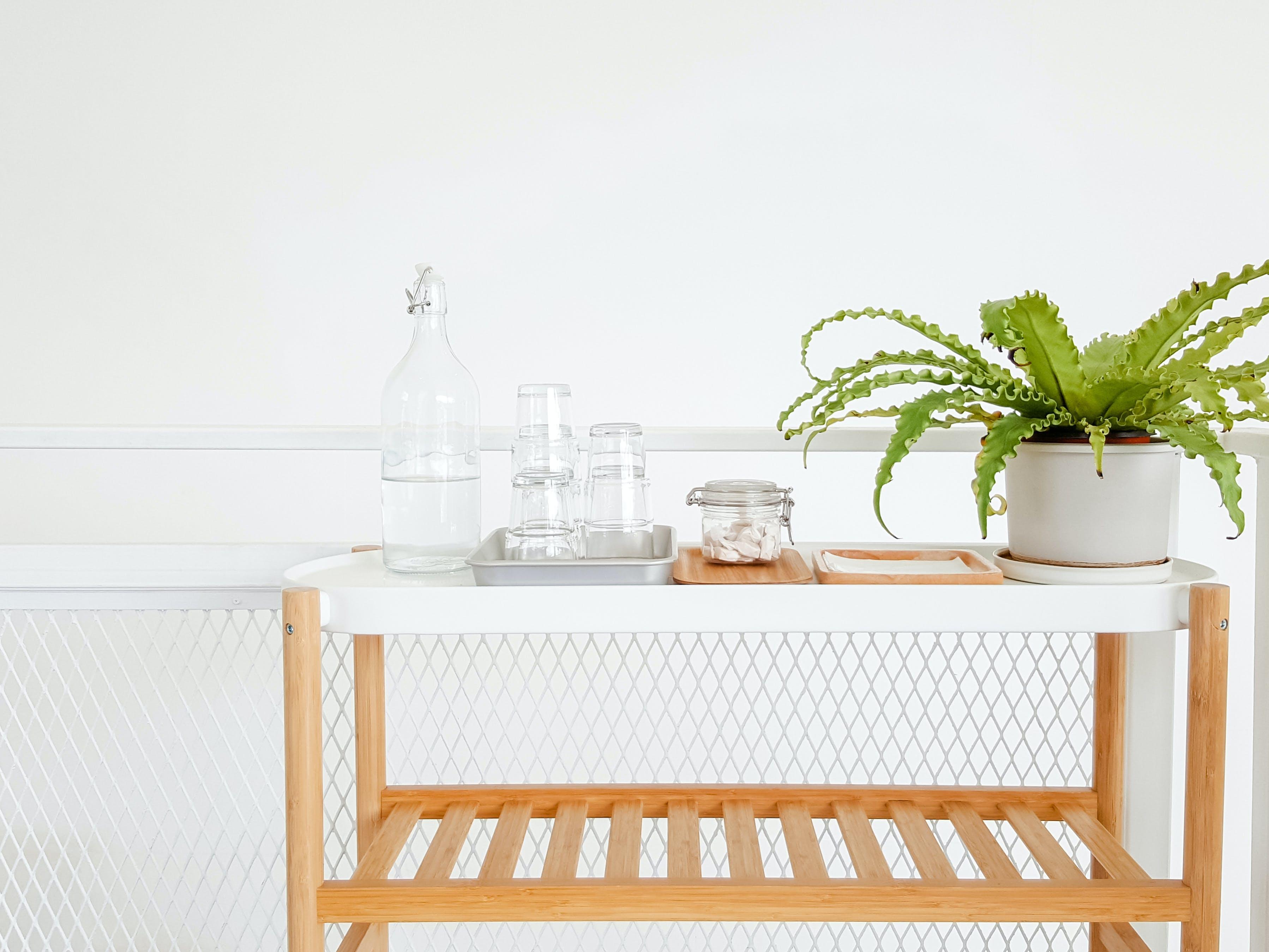 alb, apă, apartament