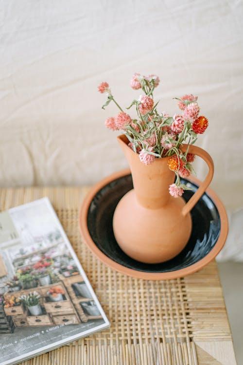 Foto d'estoc gratuïta de accessoris, amor, arranjament floral, articles de vidre