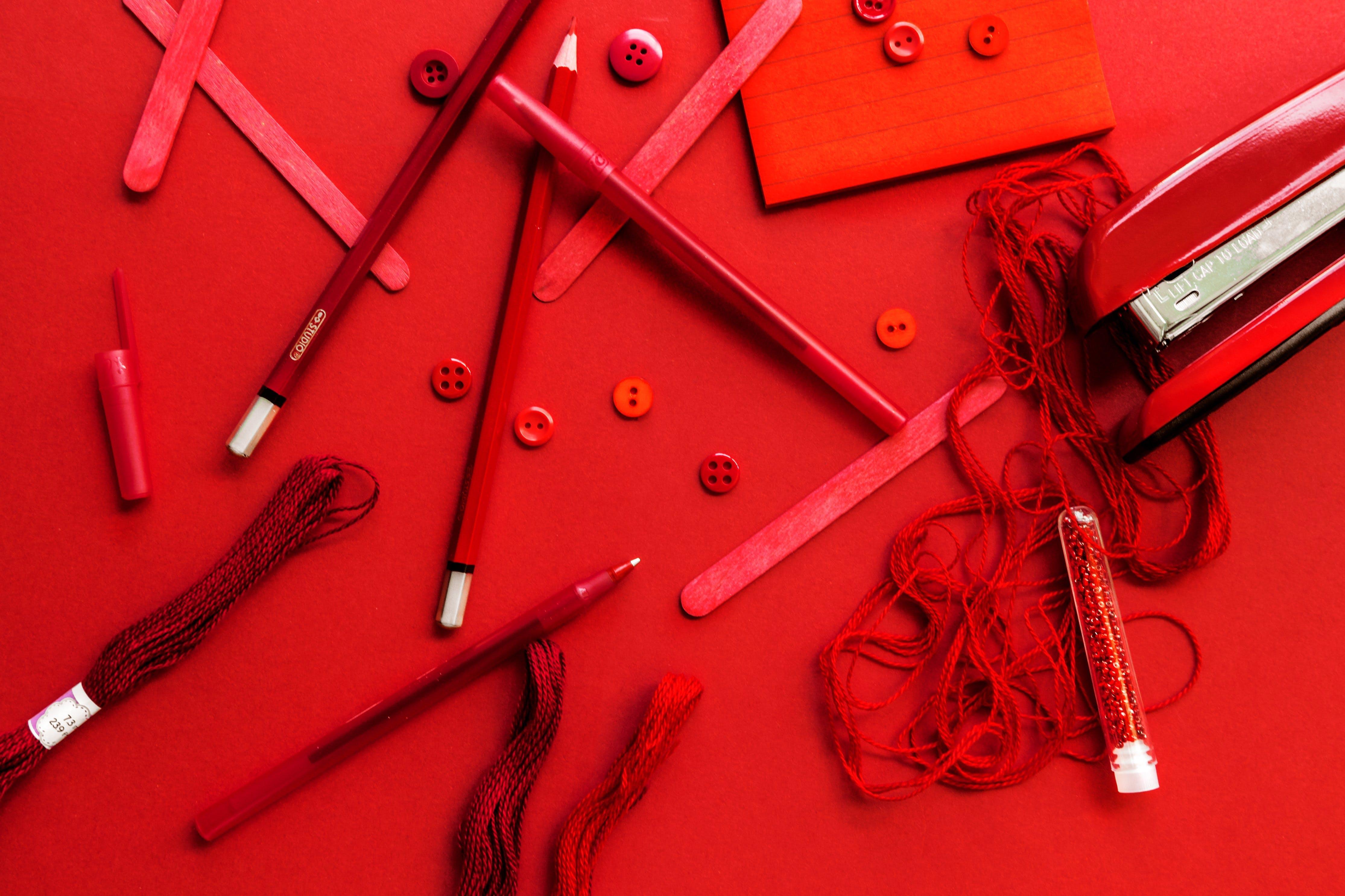 Kostenloses Stock Foto zu ausrüstung, bleistift, drinnen, farbe