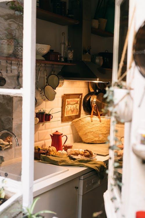 Gratis arkivbilde med bord, croissant, falle, familie