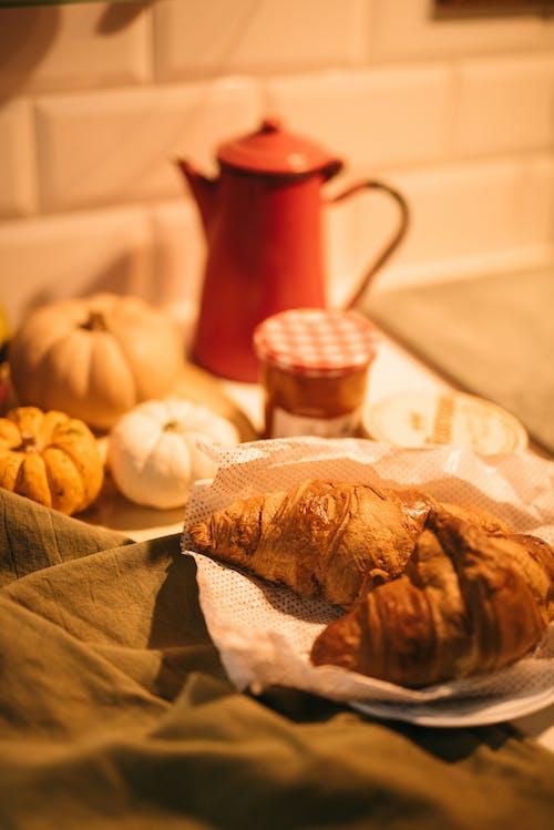 Gratis arkivbilde med bake, brød, croissant, daggry