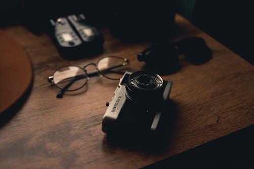 Kostnadsfri bild av analog, blixt, inomhus, lins