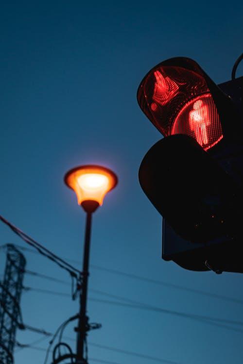 Δωρεάν στοκ φωτογραφιών με κίνηση, κόκκινο φως, φανάρι, φανάρι κυκλοφορίας