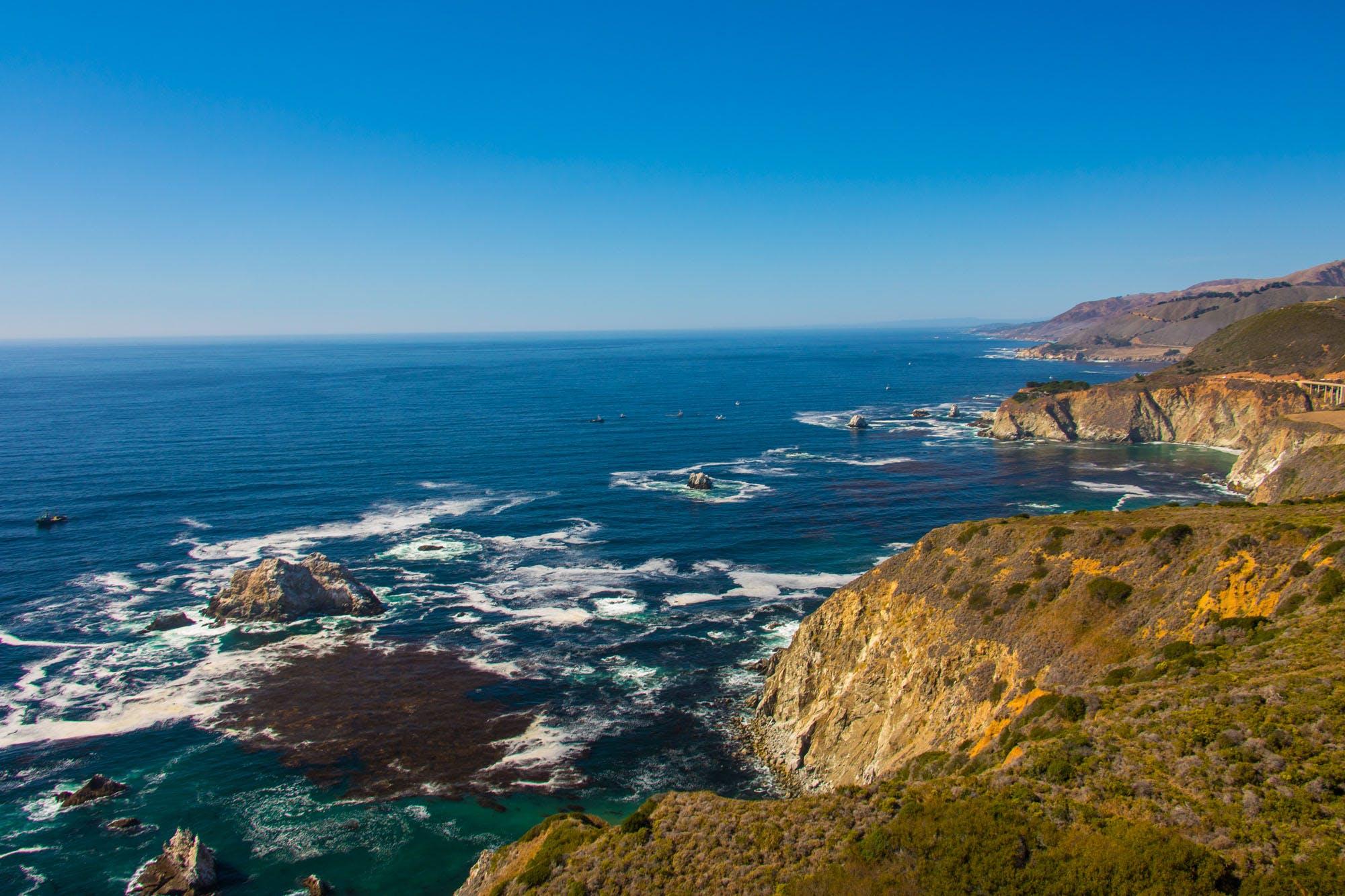Foto profissional grátis de abismo, água, baía, beira-mar