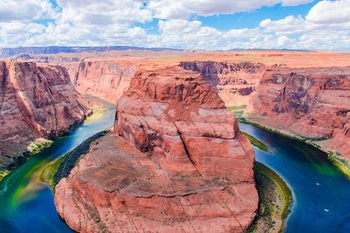 Gratis lagerfoto af bjerg, blå himmel, colorado floden, dal