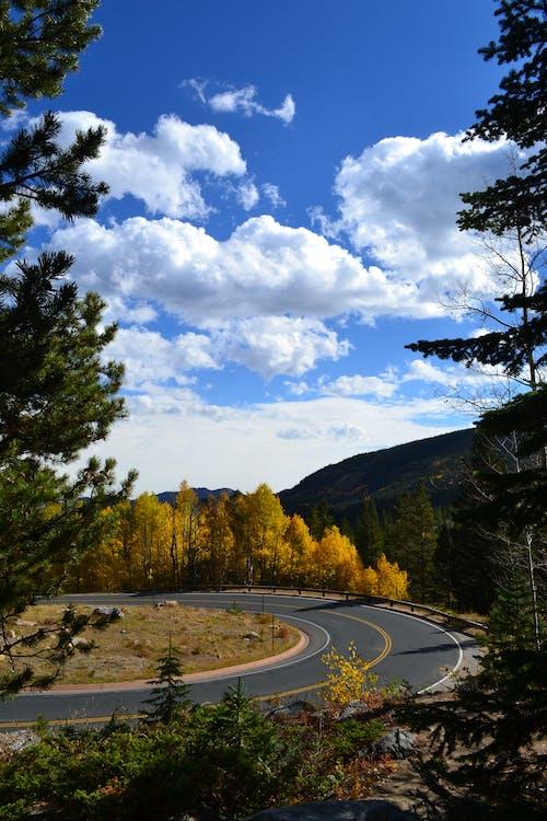Estrada Com Fotografia De Fundo Nuvens Nimbus