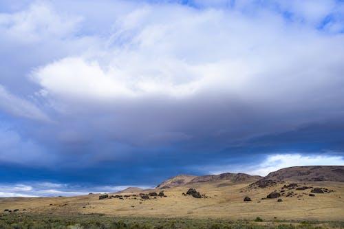Photos gratuites de aride, aube, colline, coucher de soleil
