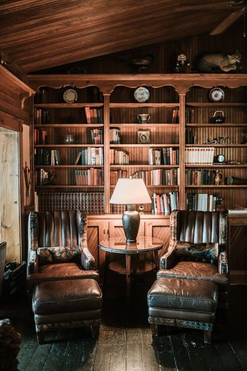 Gratis lagerfoto af bibliotek, bøger, boghylde, bogreol