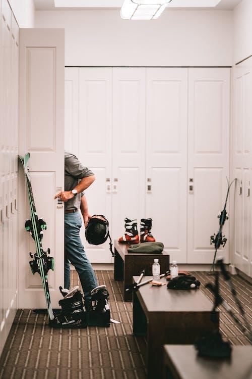 Fotobanka sbezplatnými fotkami na tému dom, domov, dospelý, dvere