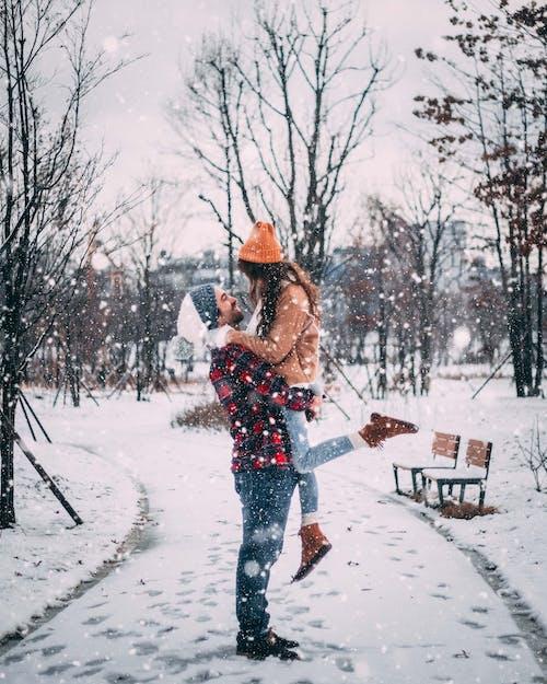 Gratis lagerfoto af faldende sne, folk, forkølelse, frost