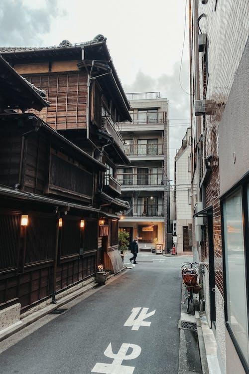 Kostnadsfri bild av arkitektur, byggnader, elkablar