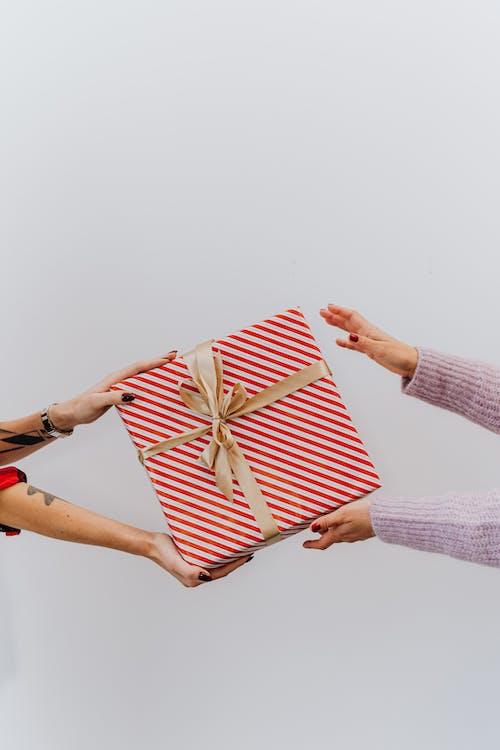 ギフト用の箱, コピースペース, プレゼントの無料の写真素材