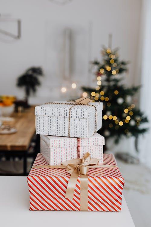 Gratis stockfoto met cadeaus, cadeautjes, close-up