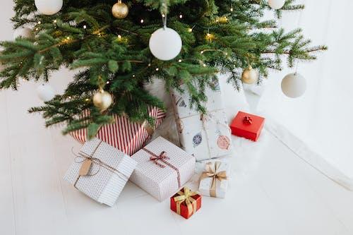 Δωρεάν στοκ φωτογραφιών με αργία, διακοσμήσεις, δώρα