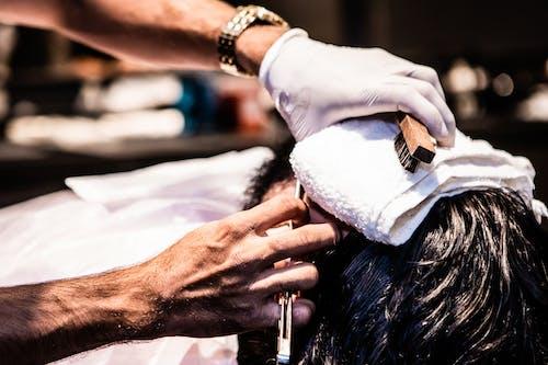 Photos gratuites de barbier, chaise de barbier, coiffeur pour homme, enseigne de coiffeur