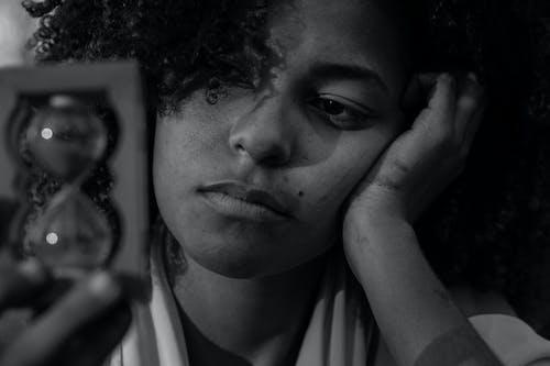 Darmowe zdjęcie z galerii z afroamerykanka, afrykański, brunetka, bw