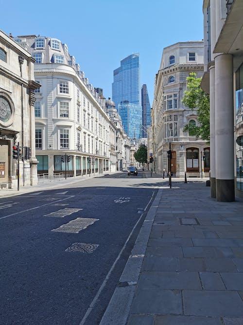 Foto stok gratis jalan kosong di kunci, jalan kosong di london, kuncian inggris