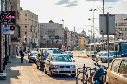 人行道, 市容, 弗罗茨瓦夫, 汽車 的 免费素材照片