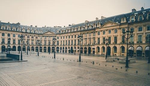 Fotos de stock gratuitas de arquitecto, calle, cielo limpio, ciudad