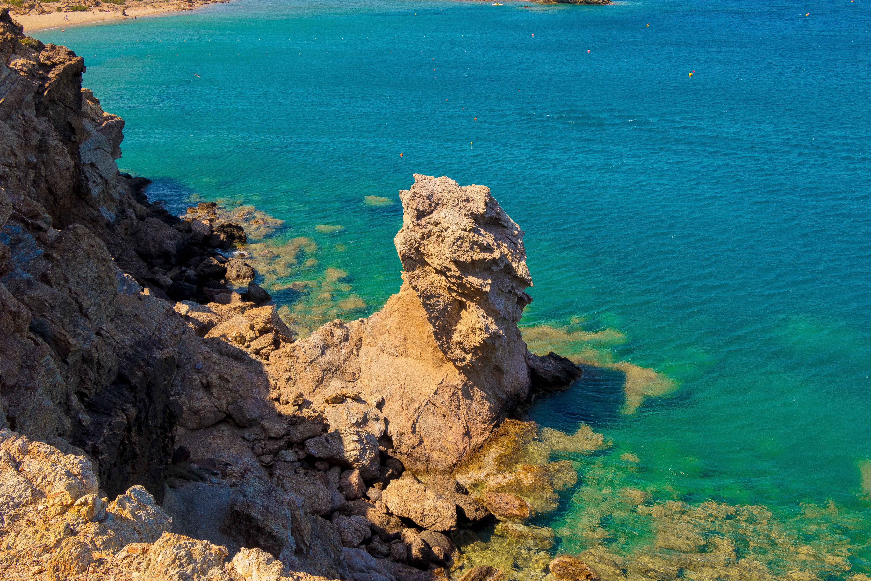 Fotos de stock gratuitas de acantilado, agua, arena, bonito