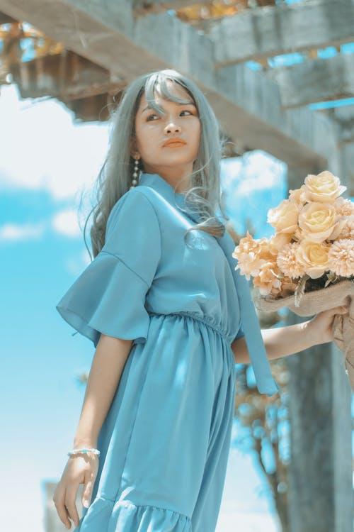 Gratis lagerfoto af alvorlige, asiatisk kvinde, blå