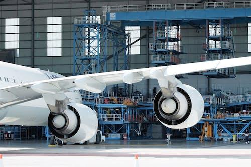 Fotos de stock gratuitas de adentro, aeródromo, aerolínea, aeronave