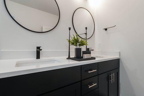 Kostenloses Stock Foto zu badewanne, drinnen, familie, fenster