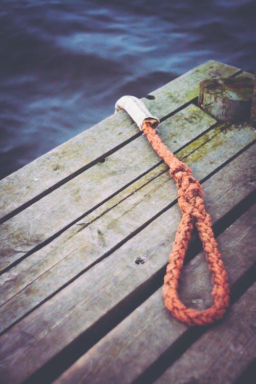 lano, prístavné mólo