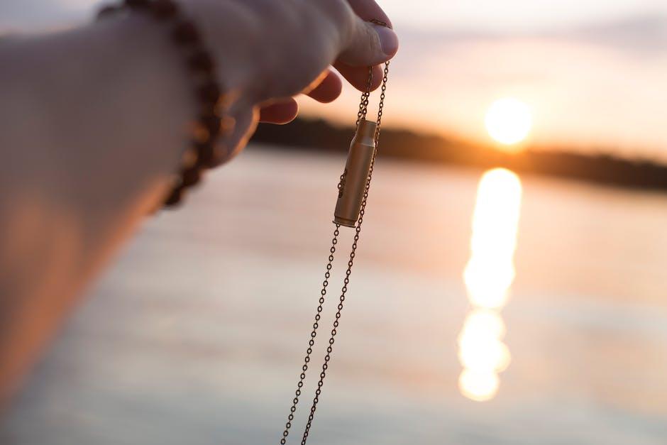 blur, bracelet, chain
