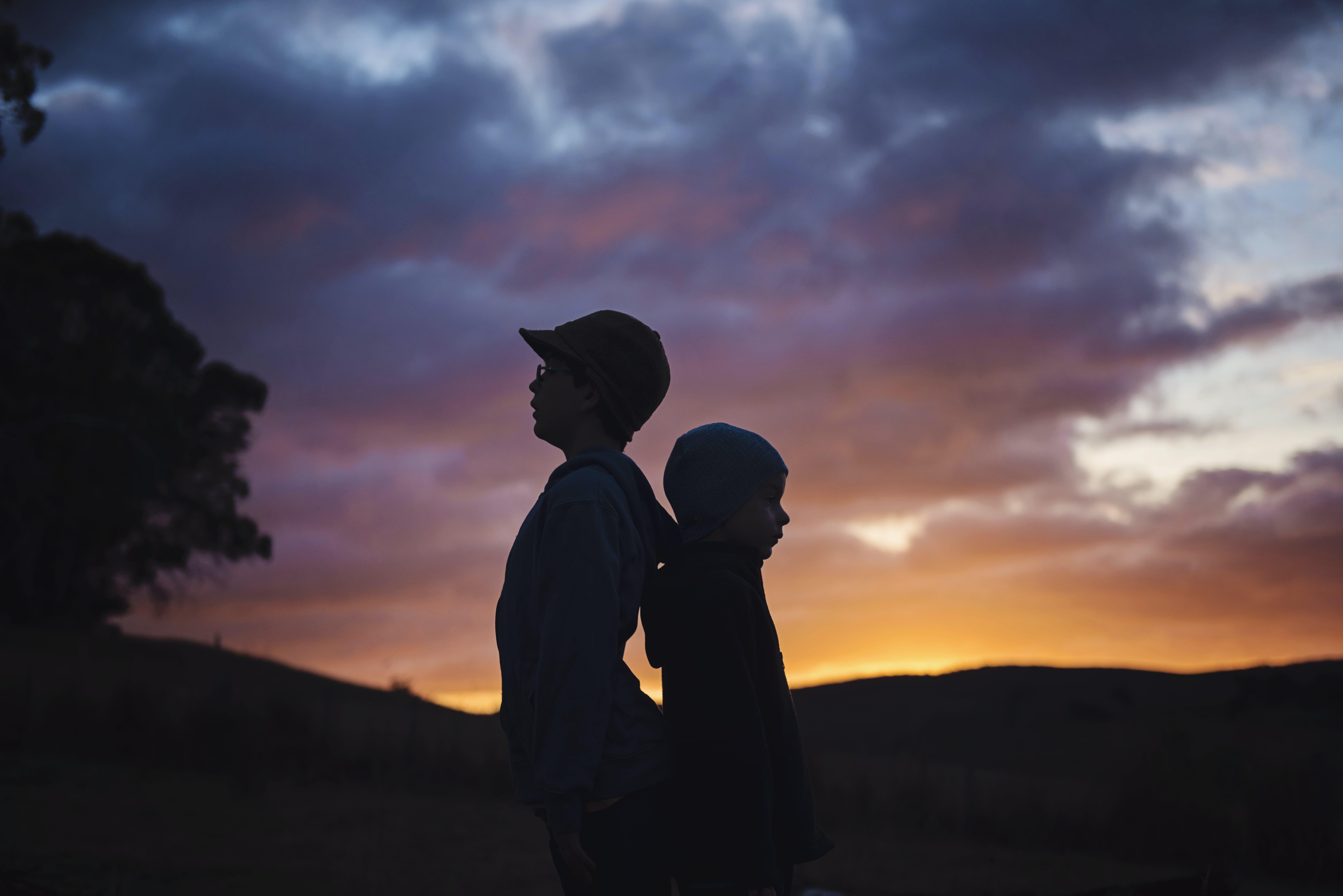 Základová fotografie zdarma na téma bratr, děti, dětství, hora