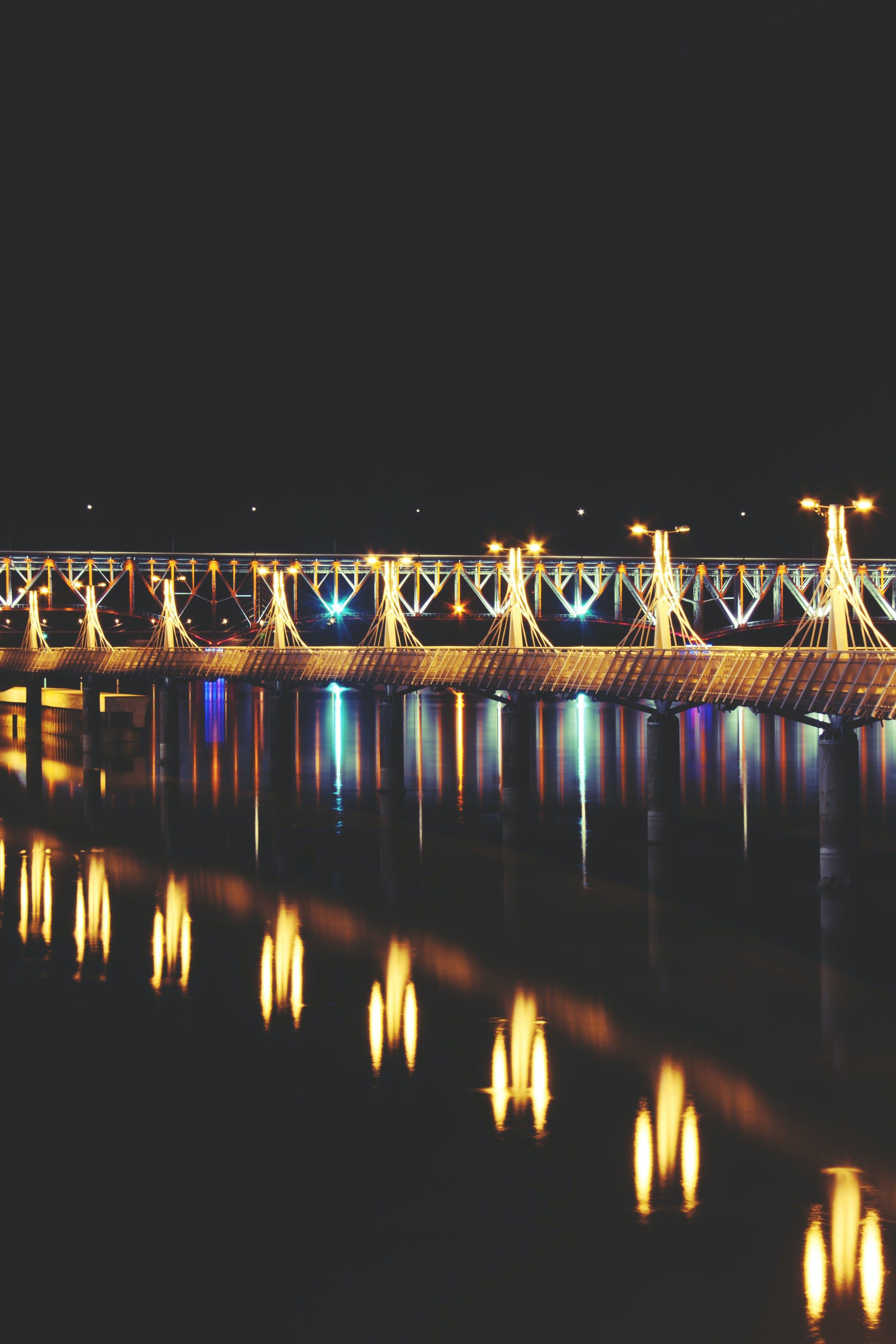 Lights of pier II