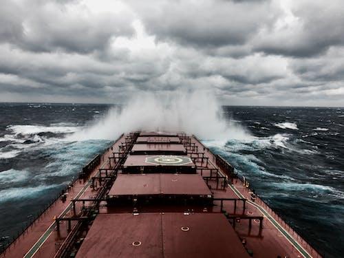 Kostnadsfri bild av båt, bro, dåligt väder, djuphav
